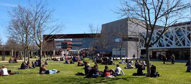 法国大学.jpg