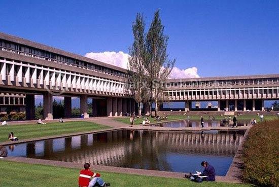 加拿大西蒙菲莎大学.jpg