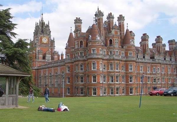 在英国留学申请的硬性条件中,英国名校录取要求是多少?