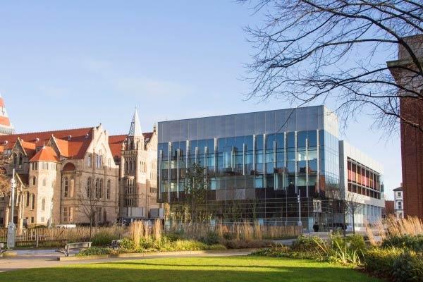说一说英国曼彻斯特大学准确地理位置,曼彻斯特地区优劣如何?