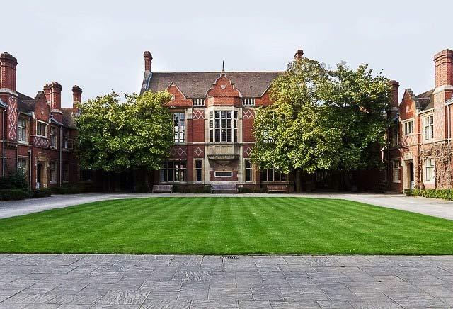 英国大学风景.jpg