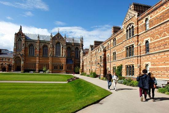 想申请英国留学奖学金,这10所英国大学不能错过!