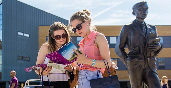 英国萨里大学的学术实力怎么样?在世界大学位置如何?