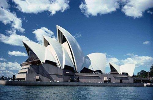澳洲留学费用再次上调?!澳洲大学的留学费用是多少呢?