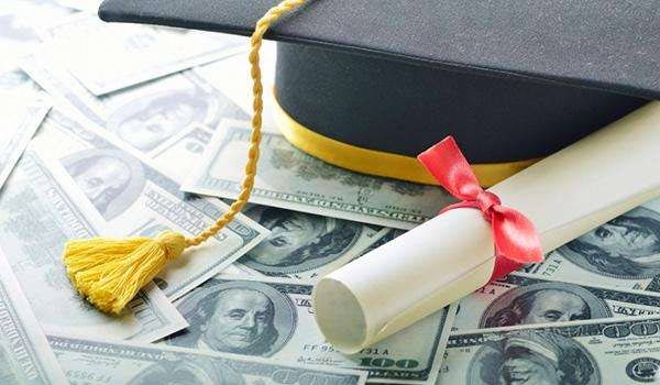 美国留学费用到底有多贵?两张图揭秘其中差额!竟然高达...
