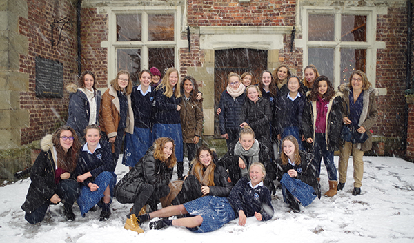 moreton hall french-exchange-in-snow---web.jpg