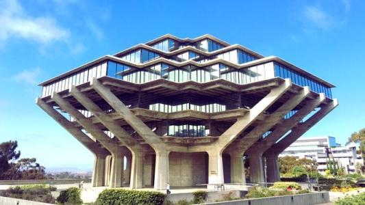加州大学圣地亚哥分校.jpg