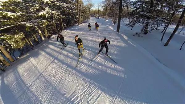 校内滑雪斜坡01.jpg