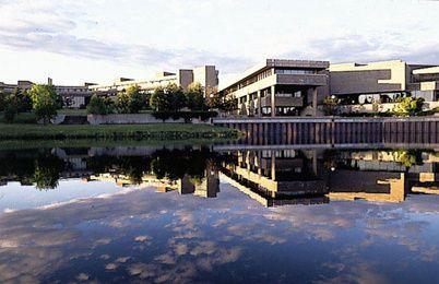 湖首大学01.jpg