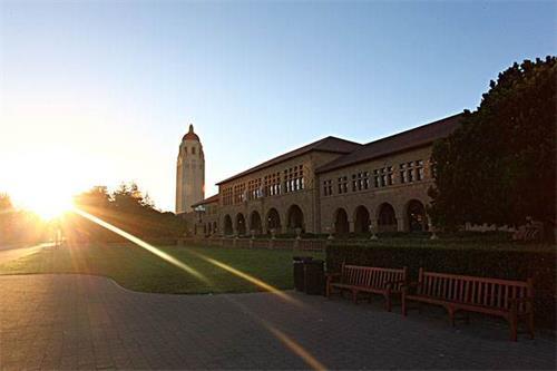 美大学校园一景.jpg