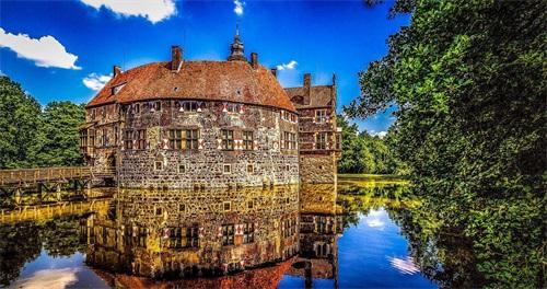 德国城堡.jpg