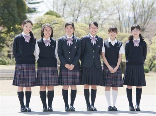 日本学生.jpeg