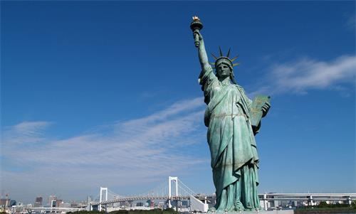 美国留学配图-自由女神像.jpg
