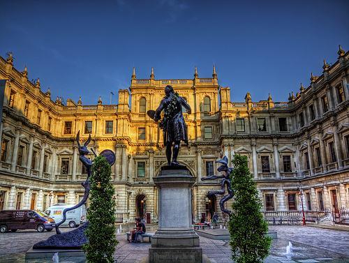 英国皇家艺术学院.jpg