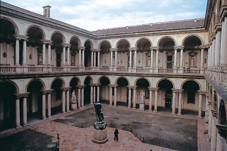 米兰国立美术学院.jpg