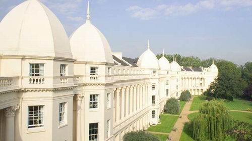 英国大学的十宗最:offer最快?费用最低?闹鬼最多?