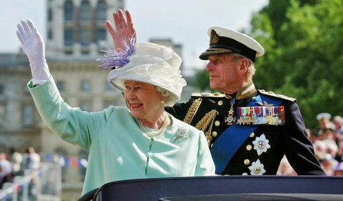 女王老公出车祸?!网友:菲利普亲王,您还是让您老婆开车吧!