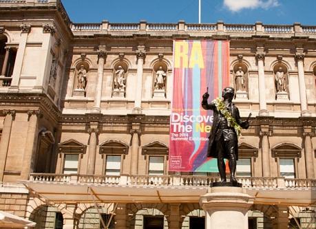 设计帝国:伦敦皇家艺术学院出了个英国首富——詹姆斯·戴森!