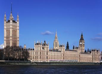 """英国教育大臣""""讽刺""""政府:""""高校扩招""""政策不仅蠢还很疯!"""