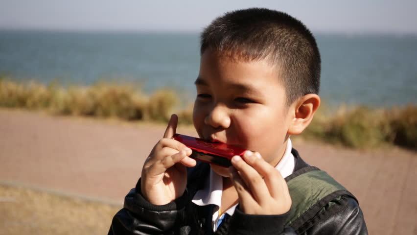 harmonica child.jpg