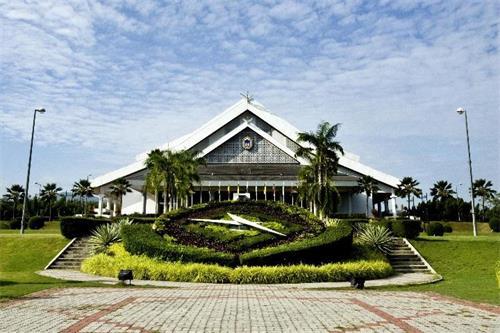 马来西亚大学图片.jpg