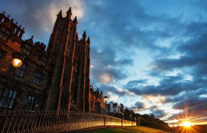 英国爱丁堡大学留学申请材料全在这里了