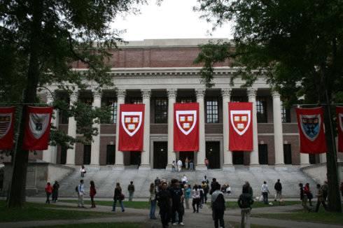 """哈佛""""切断""""华裔富商利益输送链,开除击剑校队主教练!"""