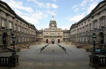 2020年爱丁堡大学研究生各个专业学费汇总