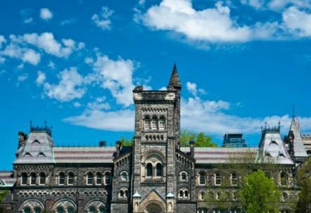 多伦多大学校方公布数据:商学院毕业生平均起薪9.9万加币!