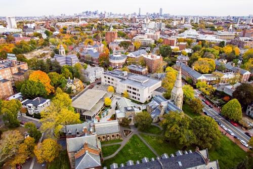 加拿大留学最佳申请季,各校录取率大增