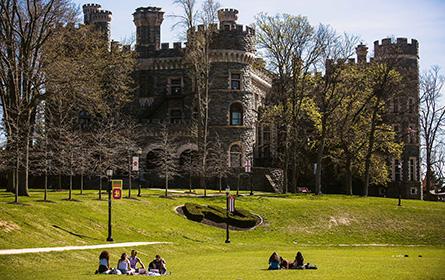 申请加拿大留学读研究生需要什么条件